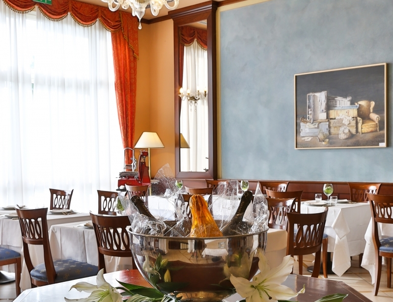 Typical dishes at the restaurant of the BW Classic Hotel