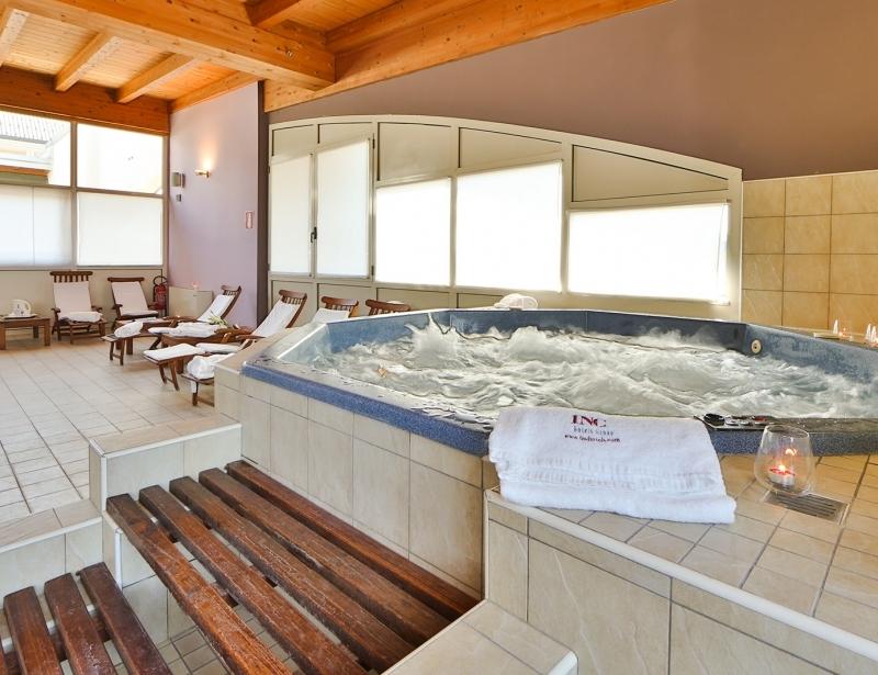 Il BW Classic Hotel offre una calda piscina idromassaggio